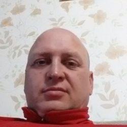 Молодой парень ищет девушку для одной или постоянных встреч в Воронеже